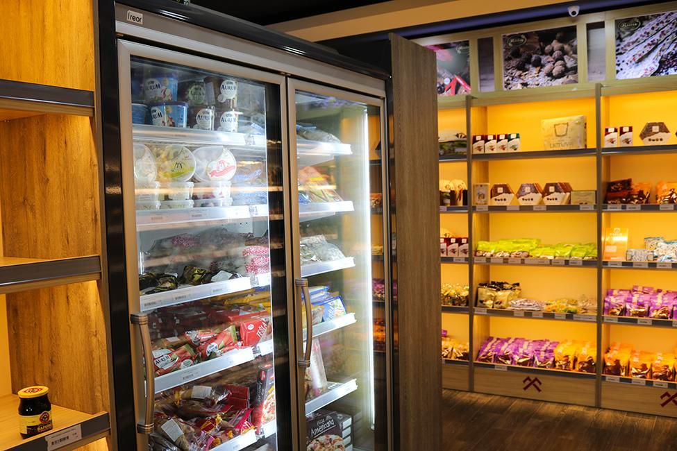FREOR-Equipment-Cools-Pribaltika-Store-in-Azerbaijan-9