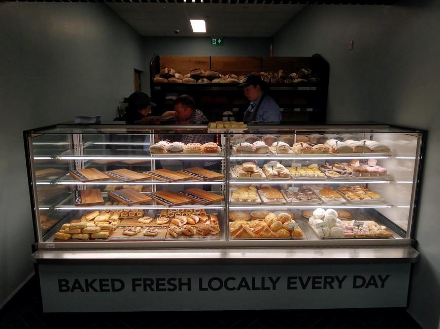 Refrigerated-bakery-case-ELISA-QB-waterloop-refrigeration-system-r290