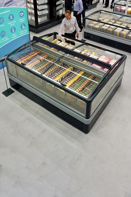 Freezer-island-HELLA-r290-EuroShop-FREOR